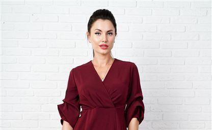 30 стильных вариантов платьев с завышенной талией на все случаи
