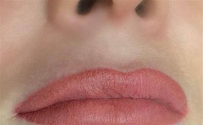 Татуаж губ для увеличения объема кому походит