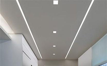 Какое выбрать освещение на кухне с натяжным потолком