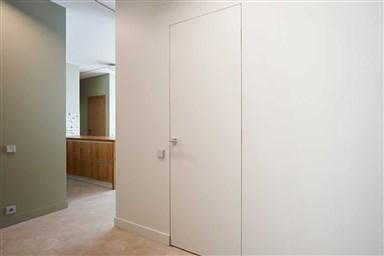 Скрытые двери современное дизайнерское решение
