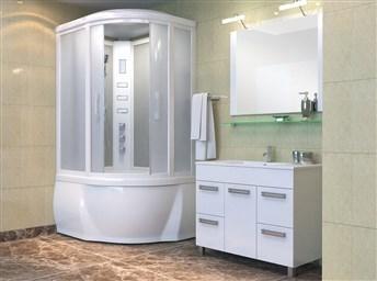 Интерьер ванной комнаты с душевой кабиной совмещенной